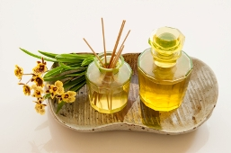 jojoba oil as massage oil